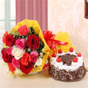 Black Forest Cake With Mix Roses